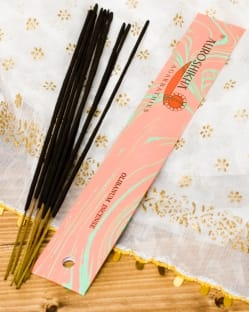 乳香(OLIBANUM)の香り - オウロシカ香(IND-INS-292)