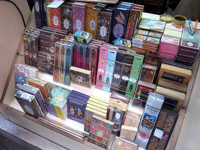 18種類のお香セット - FESTIVAL 5 - 現地ではこのような感じで販売されております!
