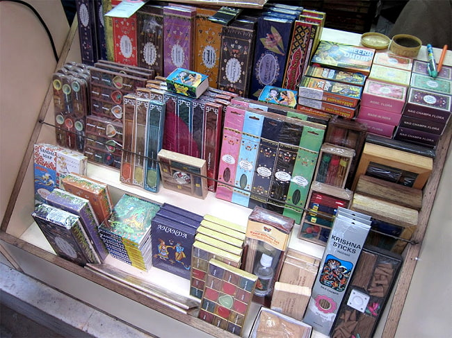 インド香10種類ギフトセット 4 - 現地ではこのような感じで販売されております!