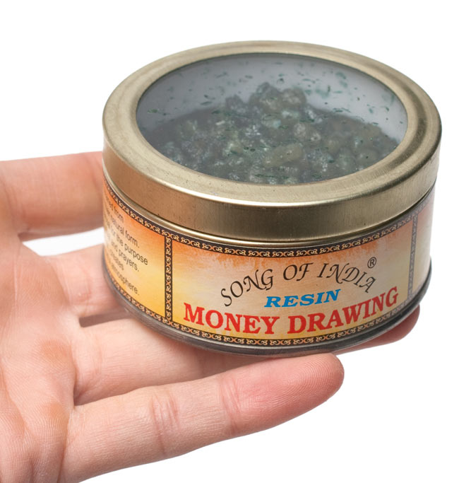 マネー・ドローイング(Money Drawing) - レジン樹脂香の写真4 - サイズ比較のために手に持ってみました