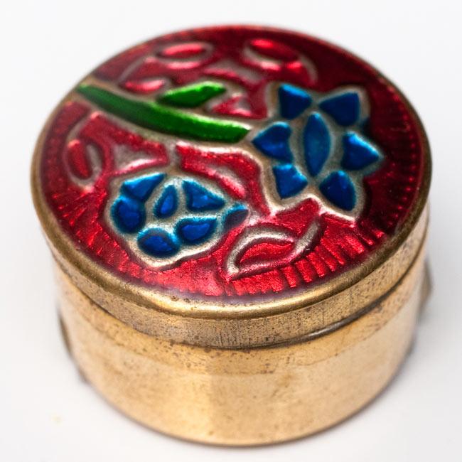 クリーム・フレグランス[ブラス] - 蘭の香り(オーキッド) 4 - 中の金属ケースだけを撮影しました。金属ケースは手作りですので、模様は一個一個異なります