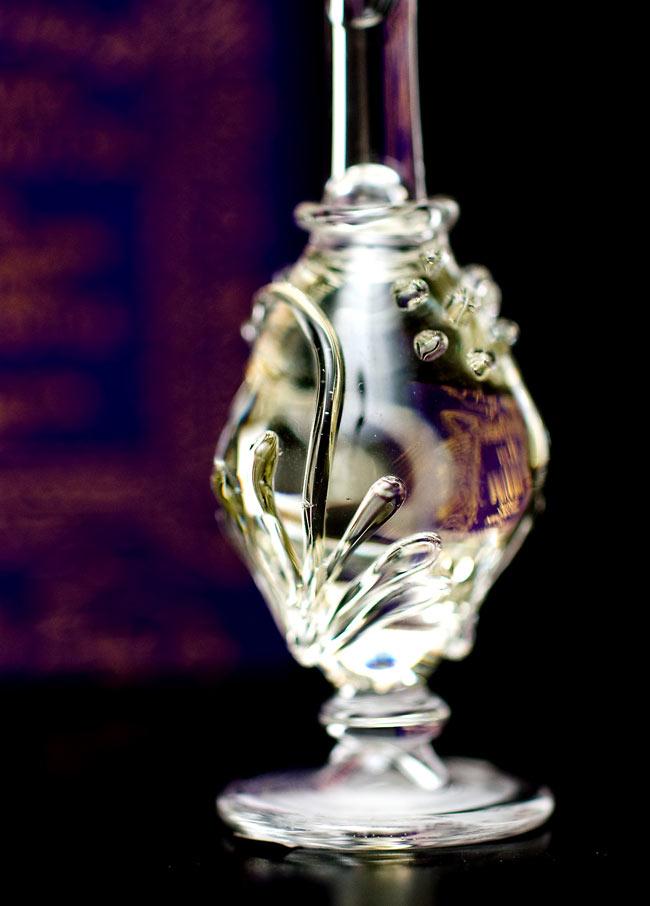 【5ml】クリシュナ・ムスク(Krishna Musk) - ナチュラルフレグランスオイル  4 - 装飾の施されたボトルです。ハンドメイドのため、デザインや大きさは一つ一つことなります。