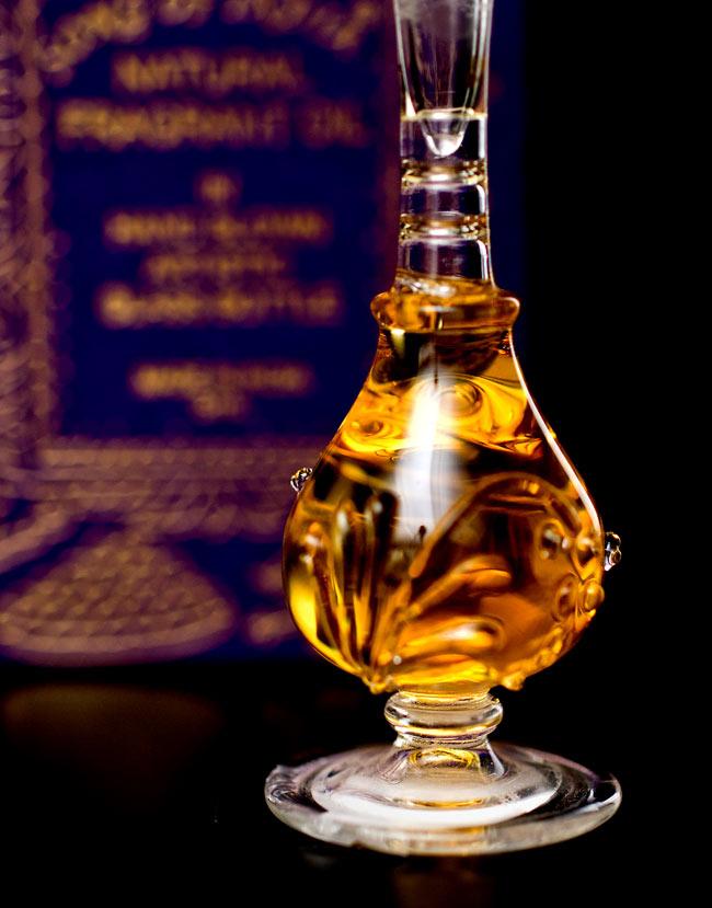 【5ml】阿片の香り(Opium) - ナチュラルフレグランスオイル  4 - 装飾の施されたボトルです。ハンドメイドのため、デザインや大きさは一つ一つことなります。