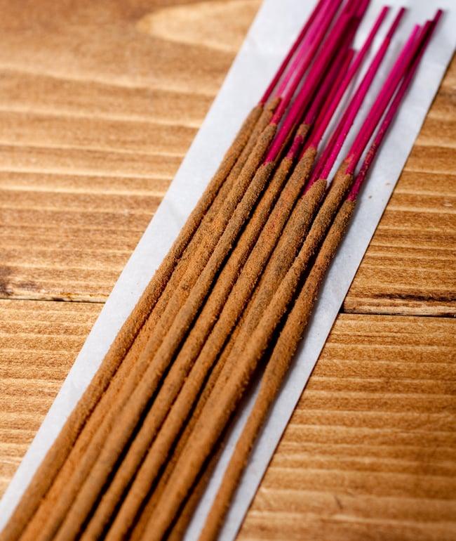 Deepika オーラヒーリング香 Aura Healingの写真5 - お香の拡大写真です。しっかりと作られています。
