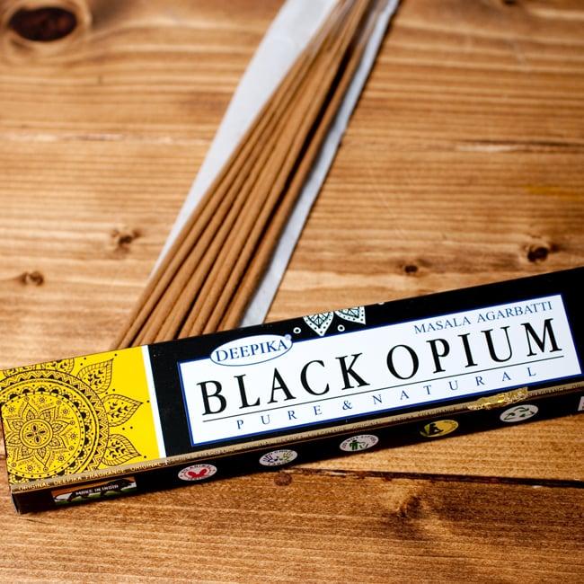 Deepika ブラックオピウム香 Black Opiumの写真2 - パッケージの拡大写真です