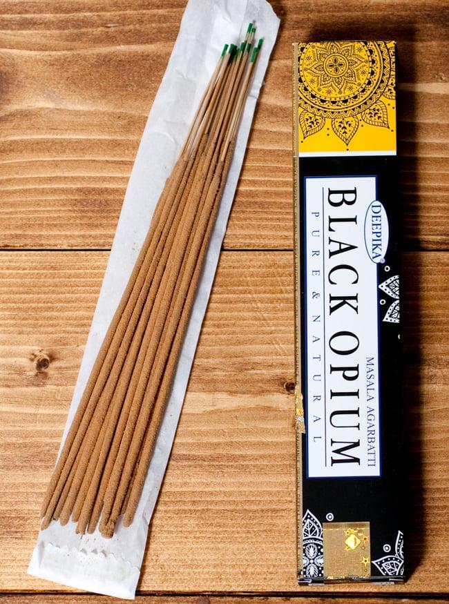 Deepika ブラックオピウム香 Black Opiumの写真