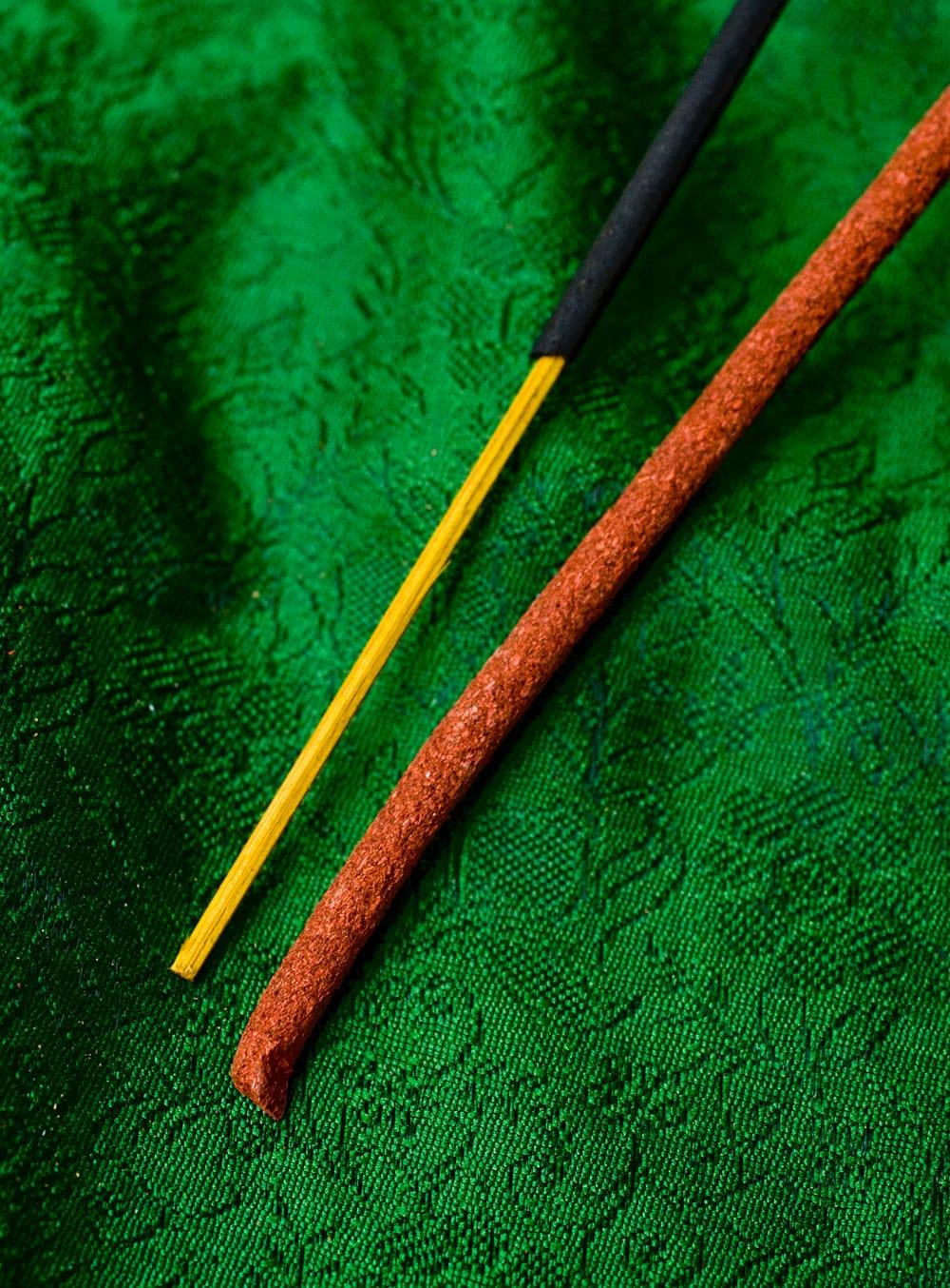 Tibetan Meditation Incense-チベタンメディテーション香 4 - チベット香なので、太めの穴が開いているお香立てをご利用ください。