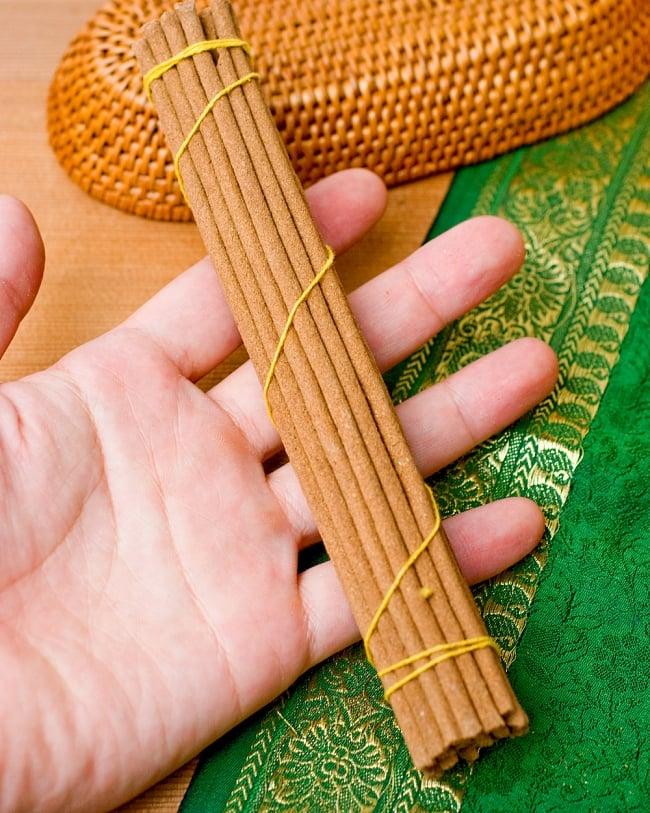 Tibetan Sandalwood Incense -チベットの白檀香 3 - 長さはだいたいこのような大きさになります。