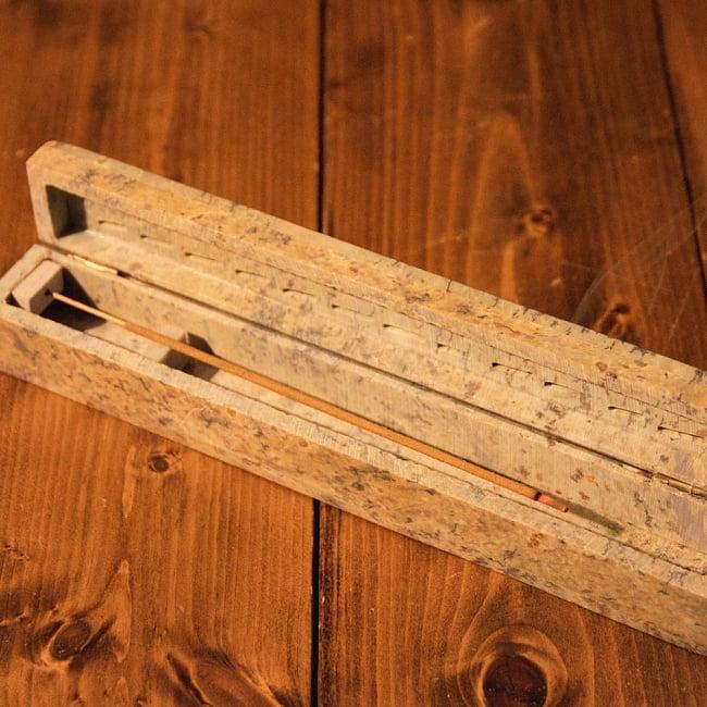 7チャクラ香セットボックス 心と身体に安らぎを - 7 CHAKRA Natural & Herbal Incence Sticks 10 - このような一般的なインド香用の、お香たてでご使用ください。