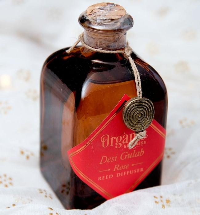 Organic GOODNESS - リード・ディフューザー -Desi Gulab - ローズ 3 - ボトルだけで撮影しました。ウィスキーのミニボトルのようです