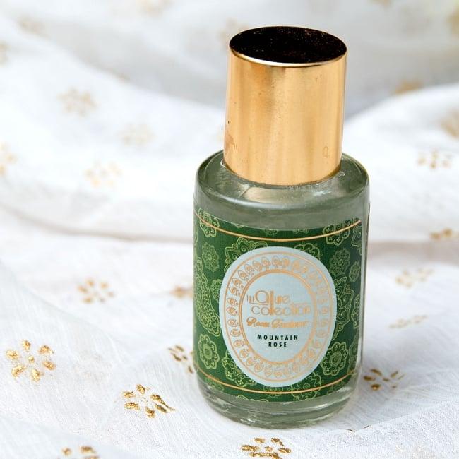 リードディフューザー[Allure Collection] - マウンテン・ローズ 2 - ボトルをアップにしました。インド製とは思えない、おしゃれなリードディフーザーです