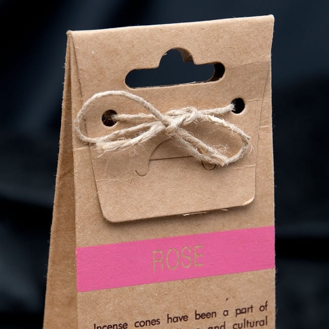 お香立つきオーガニックコーン香ギフトセット - ローズ 6 - 裏面は英語で書かれていて、輸入品の香りがします