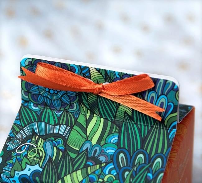 フレグランスキャンドル・ギフトセット - LITTLE PLEASURES  - シーブリーズ 3 - かわいいリボンがついたパッケージです