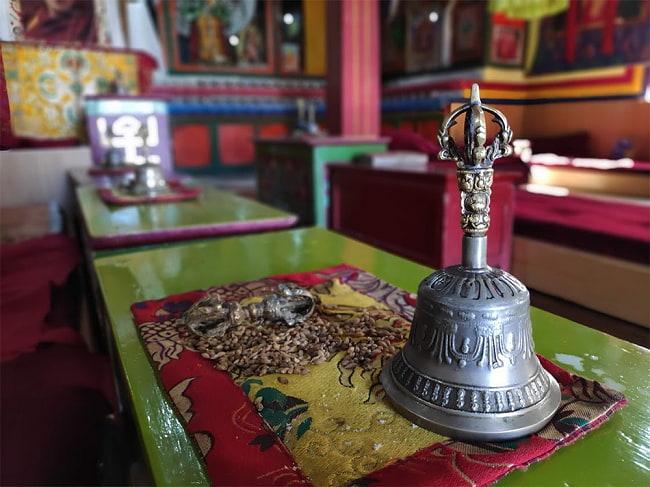 カリフォルニア ジュニパー  無農薬 ワンド バンドル スティック  3本セット [10cm  25g程度]スマッジング 浄化 8 - この僧院でジュニパーが焚かれていました