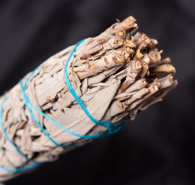 カリフォルニア ホワイトセージ 無農薬 ワンド バンドル スティック [16.5cm  45g程度]スマッジング 浄化 4 - 端っこはこんな感じです