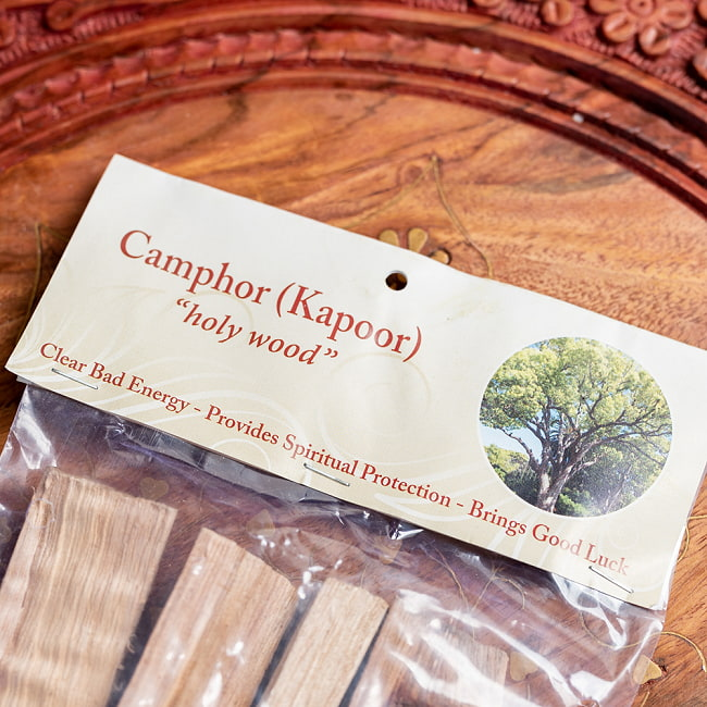 ヒンドゥー教の儀式で用いられる 樟脳の原木スティックタイプ Camphor(Kapoor) 香木 お香【約50g程度】 8 - 拡大写真です