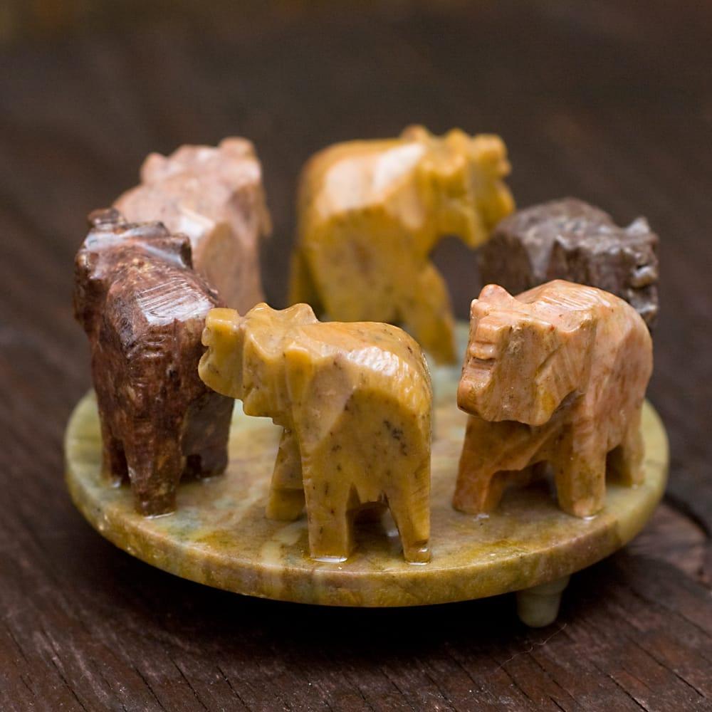 ソープストーンの立体ゾウさんお香立て 3 - 別角度から撮影しました。