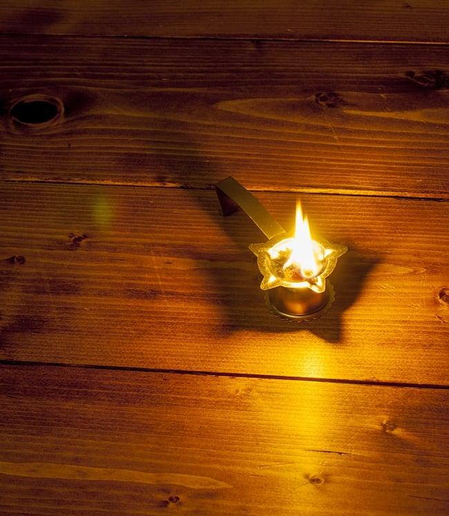 取っ手付きオイルランプ - アルティ 5 - 火を灯してみました。