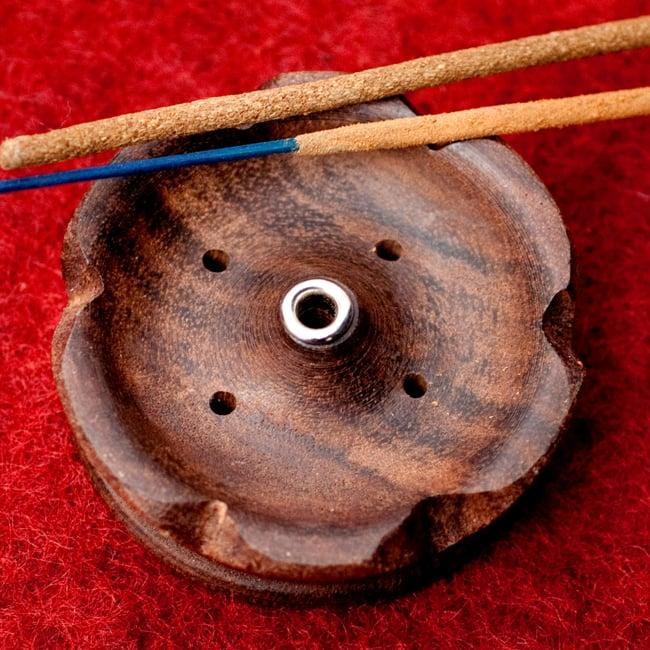 インド香&ネパール香用 ロータス型立て【6.8cm】の写真3 - ロータスがモチーフになっています