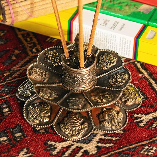 幸運の八吉祥文様 チベット香用蓮型お香立て【約12cm×約8cm】 9 - 複数焚くことができます