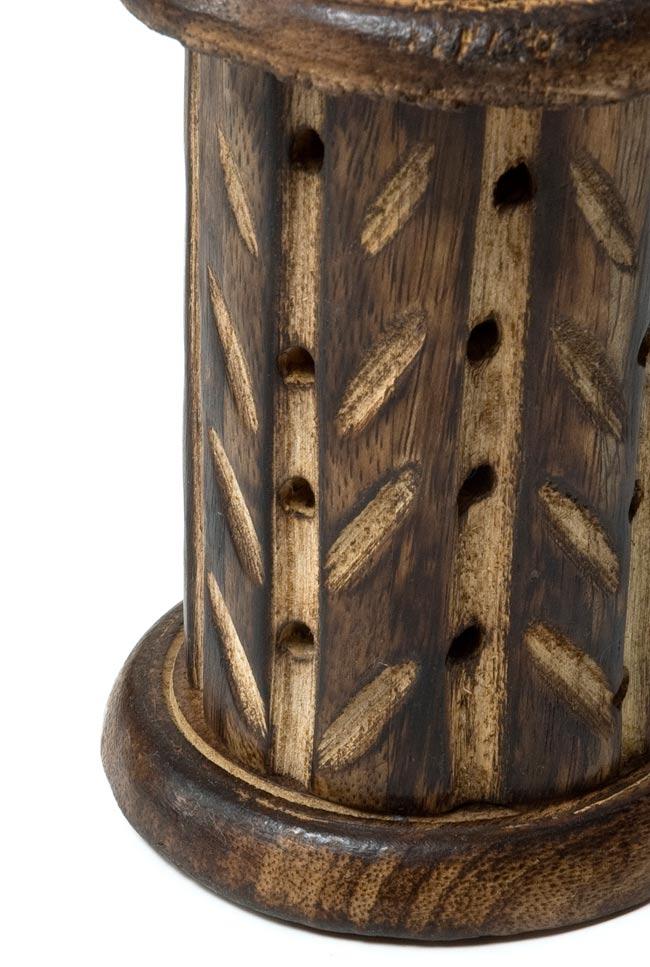 マンゴーウッド 縦型コーン香立て - 筒型【縦11.5cm】の写真2 - 拡大写真になります。