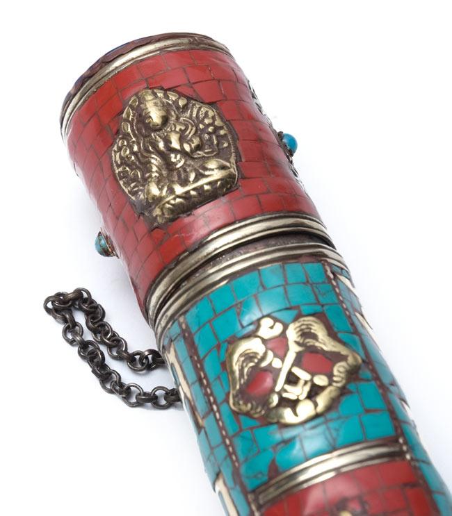 ネパールの円柱型お香箱 - [28cm x 4cm] 2 - 拡大写真