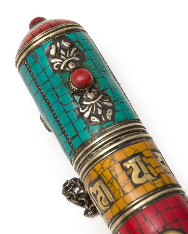 ネパールの円柱型お香箱 - [21cm x2.7cm]の写真2 - 拡大写真