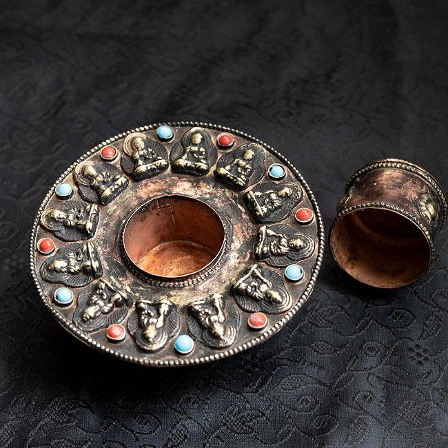 チベット香用アンティークお香立て[直径:約10.5cm] 3 - このように蓋を取り外して、中にコーン香を入れることができます。