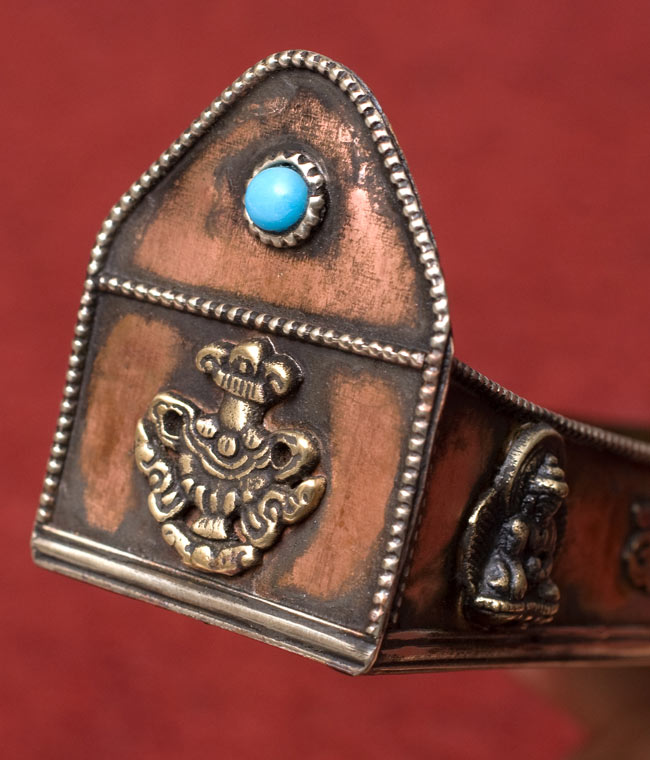 チベット香用アンティックお香立て【大】 3 - 側面の拡大です。