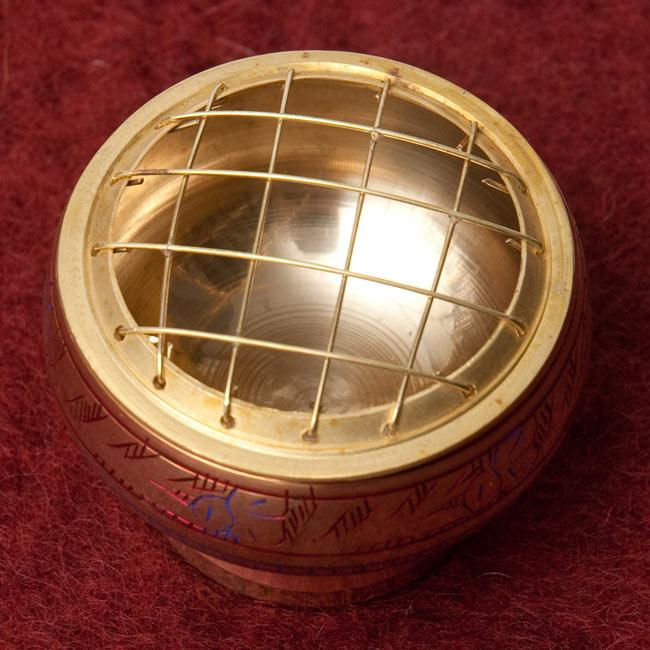 レジン香用お香たて - 金属製&伝統模様 2 - 上面写真です