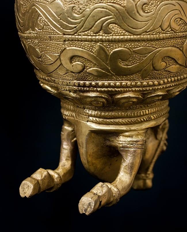 聖牛のジャルダーラ(水差し) 大 4 - 細かな装飾が施されています。