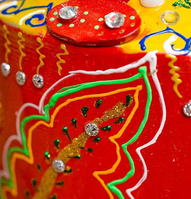 インドのデコレーションやかん - 赤×黄イエローストーン 6 - 全て手作りなので、同じデザインの物でも1点1点装飾が異なります