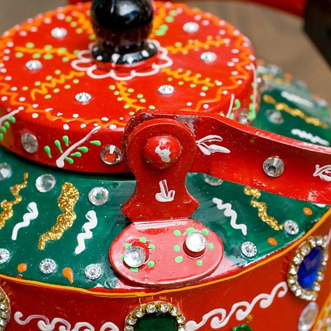 インドのデコレーションやかん - 赤×緑ブルーストーン 10 - 持ち手部分は横に倒すことができます!