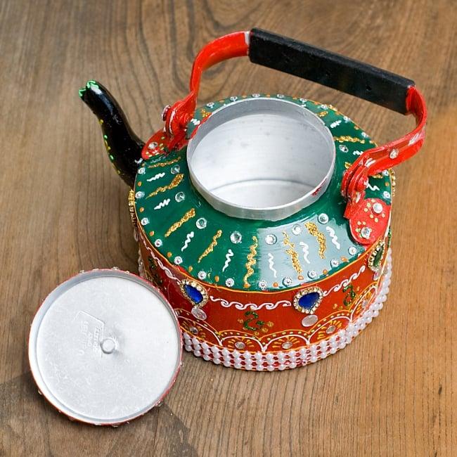 インドのデコレーションやかん - 赤×緑ブルーストーン 11 - 蓋を開けてみました!中身はきれいですがこちらは食器ではございません。鑑賞用のポットとなります。