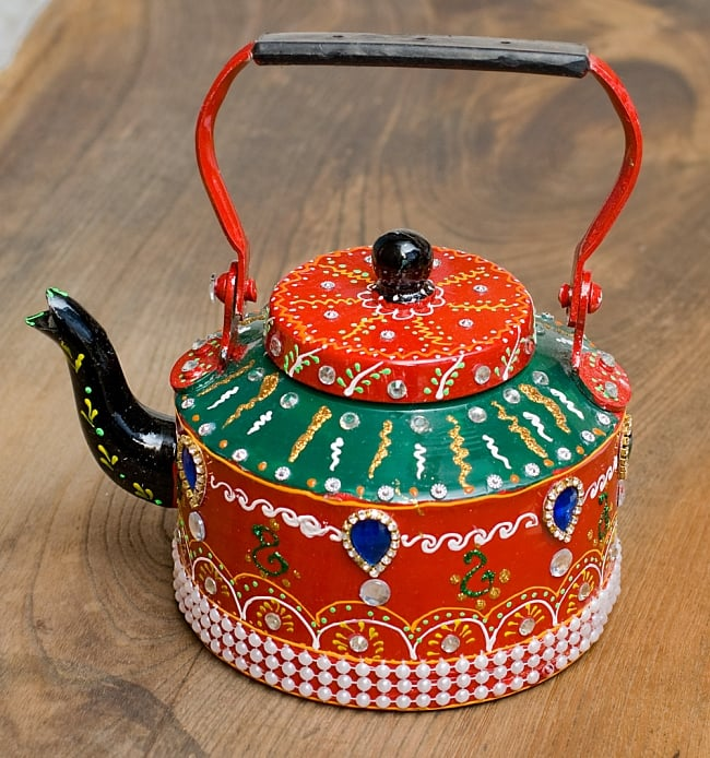 インドのデコレーションやかん - 赤×緑ブルーストーンの写真