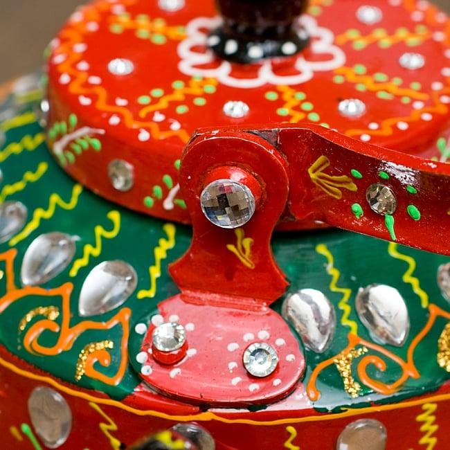 インドのデコレーションやかん - 赤×緑クリアストーンB 10 - 持ち手部分は横に倒すことができます!