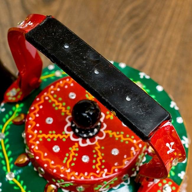 インドのデコレーションやかん 赤×緑クリアストーンCの写真9 - 持ち手部分はこの様になっています。
