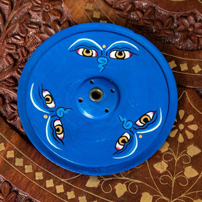 インド香&ネパール香立て -ブッダアイ 【直径約9cm】 3 - モチーフとお香の穴を拡大してみました。