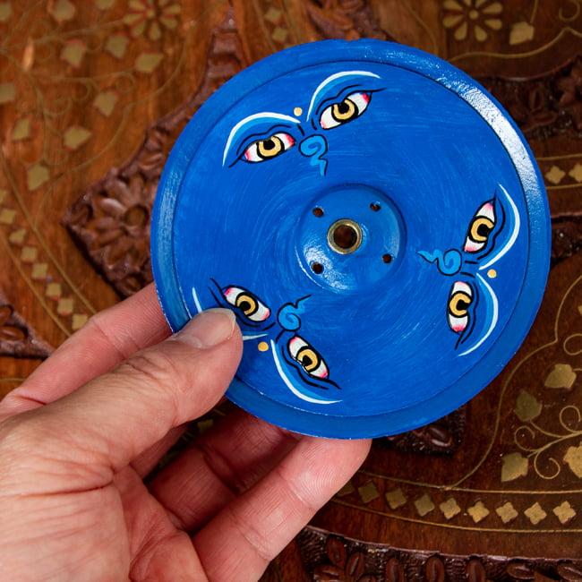 インド香&ネパール香立て -ブッダアイ 【直径約9cm】 5 - サイズ感をわかっていただくために手で持ってみました。
