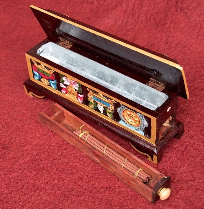 木彫りのチベタン香立て【オンマニペメフム】 11 - 引出しの中にはお香のストックやライターが入れられて便利ですね!※こちらは類似商品です