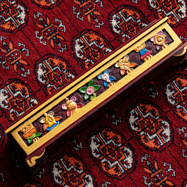 木彫りのチベタン香立て【吉祥文様・小】 2 - 彫刻がとても美しいです
