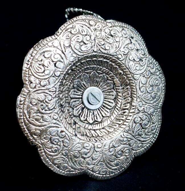 ガネーシャのホワイトメタルの両手皿 (大) 7 - 裏面です。