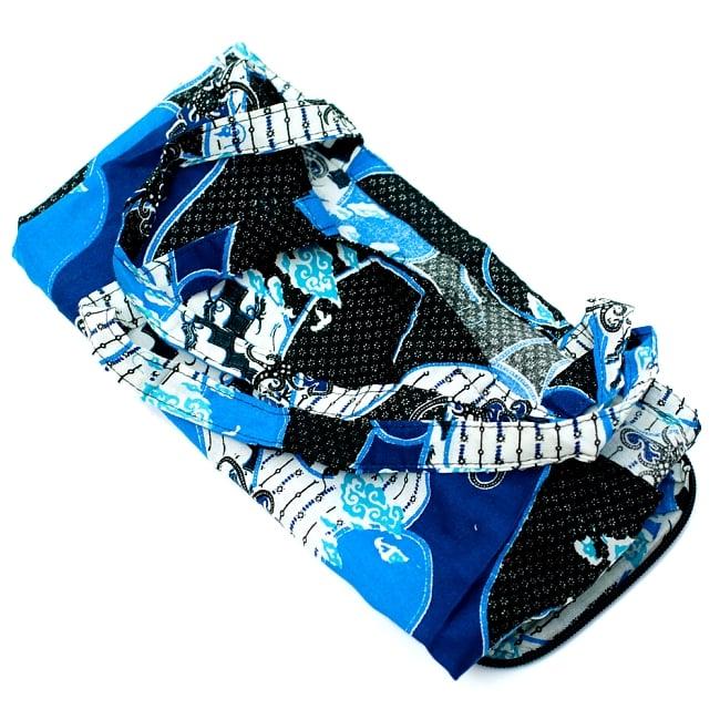 折りたためる!バティック生地のエコバッグ - ブルー系アソート 6 - 中はこのようになっています