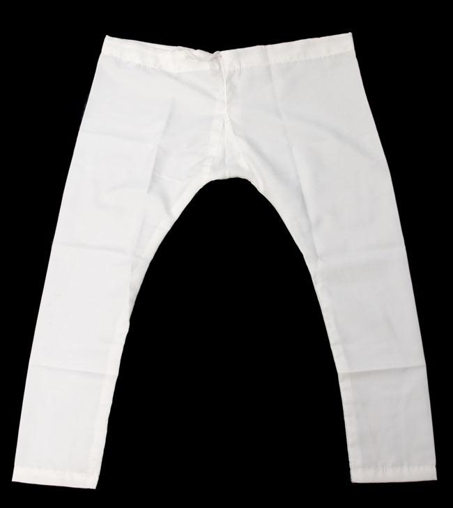 子供用クルタパジャマ 3点セット【ペイズリー・薄ゴールド】  7 - パンツは白いものになります。こちらは同ジャンル品の写真ですのでサイズにより形は異なります。