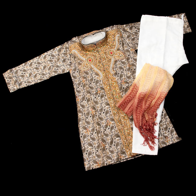 子供用クルタパジャマ 3点セット【ペイズリー・薄ゴールド】 の写真