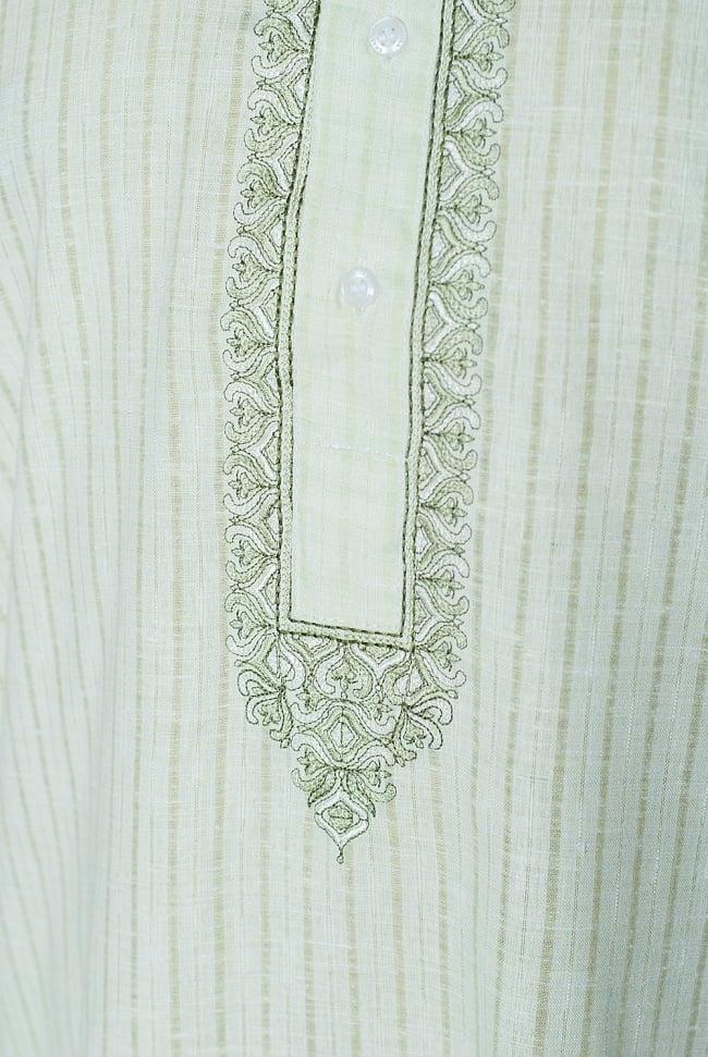 クルタ・パジャマ  - パステルグリーン【薄手コットンストライプ】 5 - 華やかな装飾が施されています。