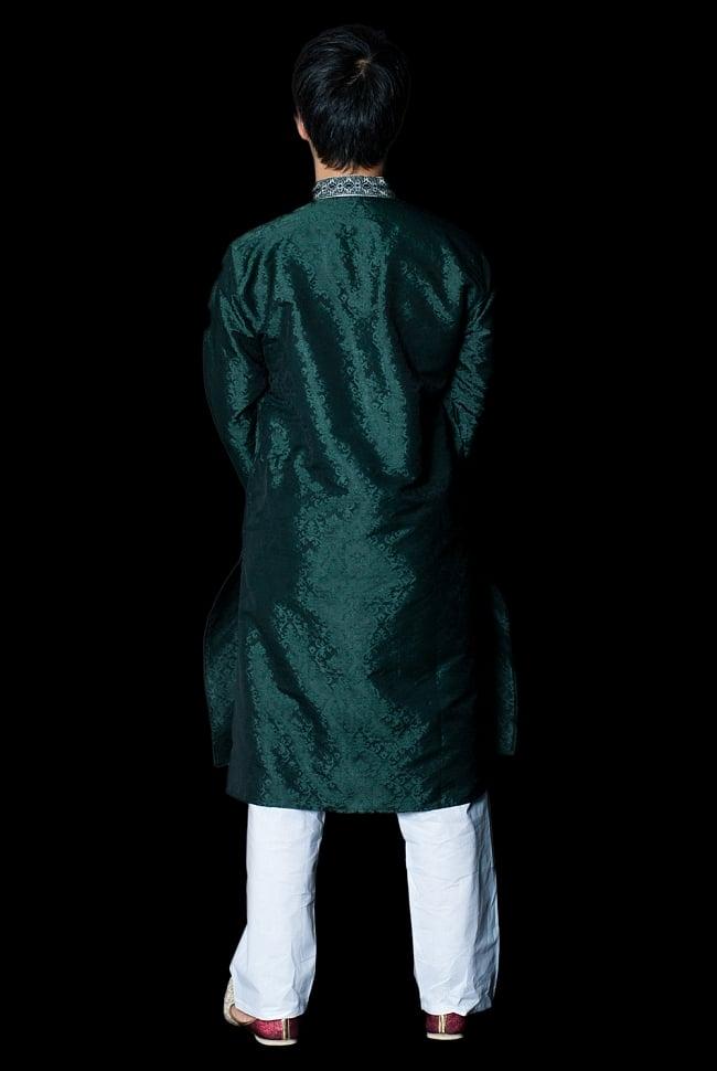 クルタ・パジャマ - ディープグリーン【光沢生地】 3 - 背面からみてみました。なんとなくスラッとスタイルがよく見えるかも?!
