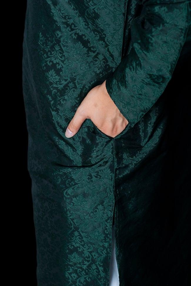 クルタ・パジャマ - ディープグリーン【光沢生地】 7 - ポケットもあるので小物を入れるのにも便利です。