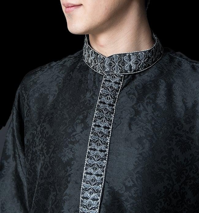 クルタ・パジャマ【光沢生地 ブラック 装飾が四角】 4 - 首周りの様子です。