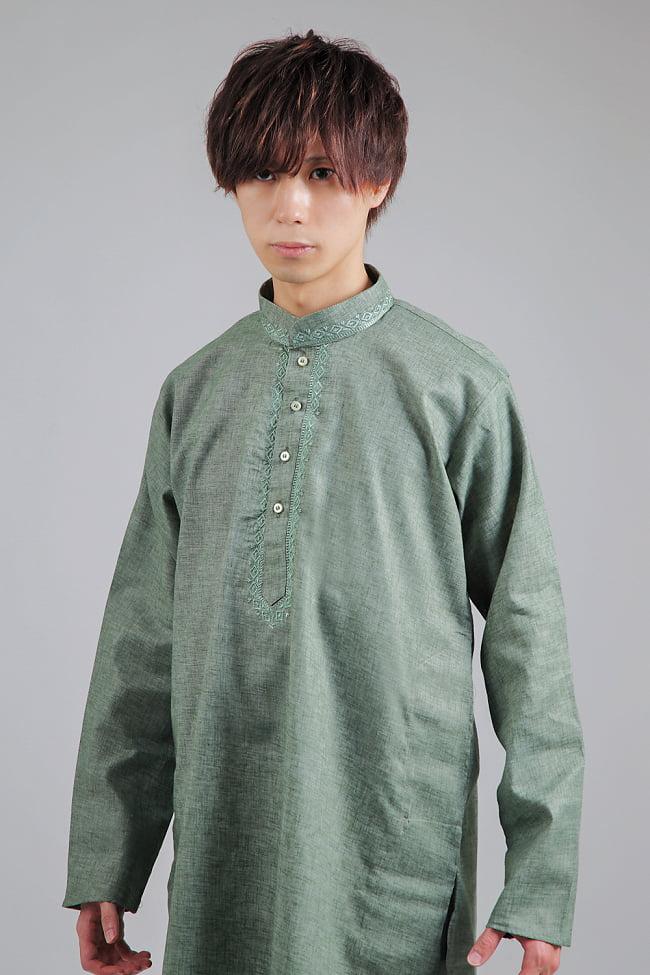 〔各色あり〕ダイヤ刺繍 クルタ・パジャマ上下セット インドの男性民族衣装 4 - 胸元の拡大写真です